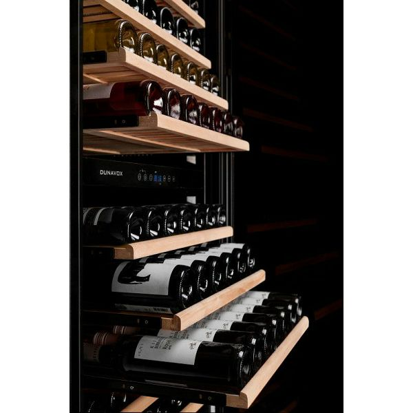 Hladnjak za vino ugradbeni Dunavox DX-181.490SDSK